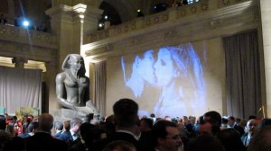 The-Kiss-by-Indira-Cesarine-Metropolitan-Museum-of-Art-950x534