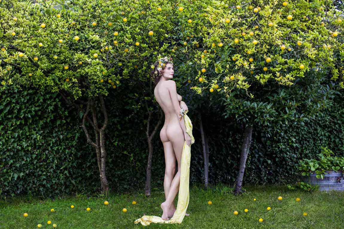 IRIS BROSCH PHOTO SHOOTS CALENDAR FOR A WINE COMPANY